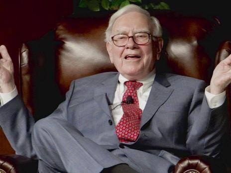 What can entrepreneurs learn from Warren Buffett on leadership?